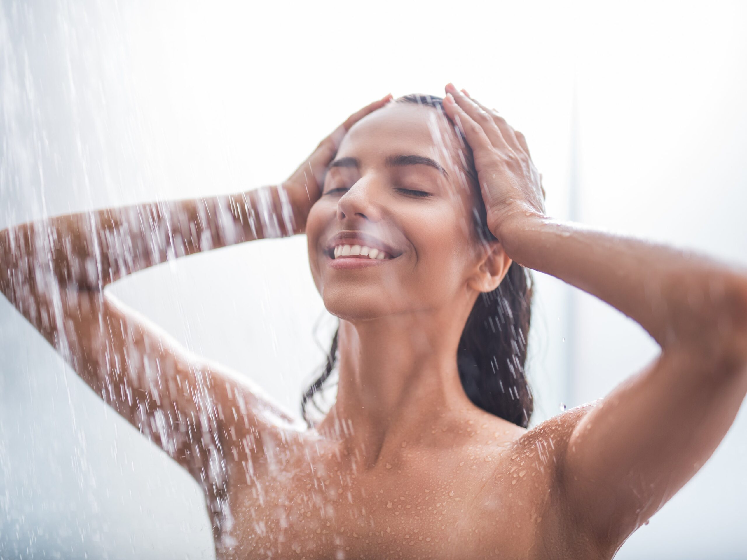 Are You Making These Shower Mistakes? 5 Things That Harm The Skin